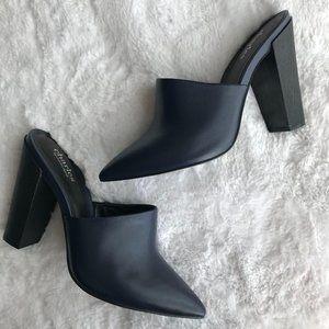Charles David Navy Leather Mules Block Heels Sz 7